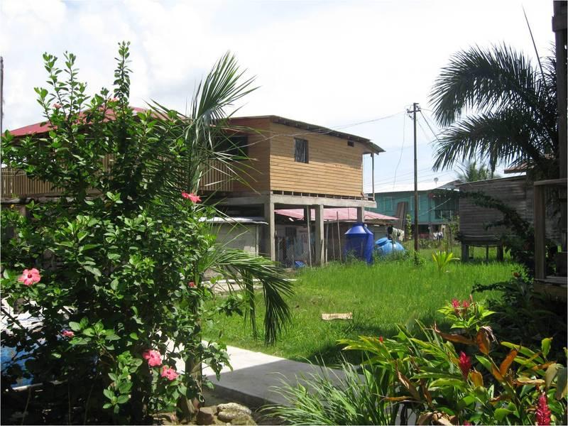 Backyardhouse
